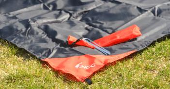 Produkttest: Die ultraleichte & wasserdichte Picknickdecke für 2 Personen